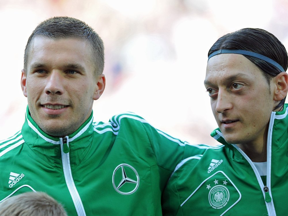 Lukas Podolski freut sich über Mesut Özils Wechsel