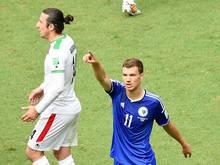 Edin Dzeko erzielt das 1:0 gegen den Iran