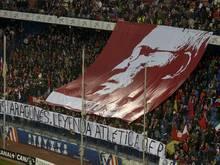 Atletico Fans gedenken dem Verstorbenen Luis Aragonés