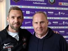 Tiffert (l.) hat seinen Vertrag in Aue verlängert