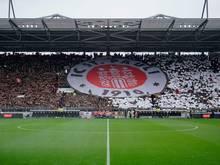 250 St. Pauli Fans wurden von der Polizei eingekesselt