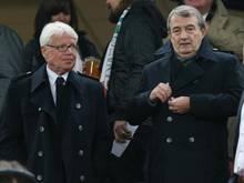 Rauball (l.) und Niersbach trauern um Udo Lattek