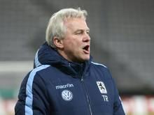 Möhlmann wird von Torwarttrainer Kowarz vertreten