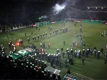 In Griechenland kam es erneut zu Krawallen im Stadion
