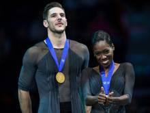 Eiskunstlauf: James (r.) und Cipres holen Paar-Titel