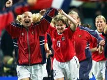 Hege Riise (r.) übernimmt englisches Frauenteam