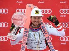 Marcel Hirscher wird auch weiter in die Skier steigen