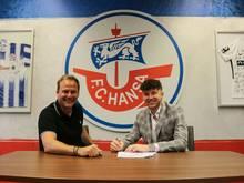 Duljevic (r.) erhält bei Rostock einen Vertrag bis 2023