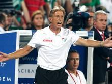 Nicht zufrieden: Christoph Daum verliert mit Bursaspor in Istanbul