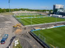 Das Parkstadion (hinten) noch während der Umbauphase