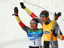 Bentele (l.) dominierte bei den Paralympics 2010