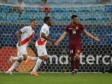Peru gewinnt mit Guerrero und Farfan (v.l.)
