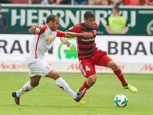 Jann George (l.) verlängert vorzeitig bis 2020 bei Jahn Regensburg