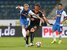 Dominic Peitz (m.) bleibt ein weiteres Jahr in Karlsruhe