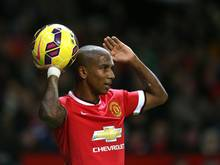 Ashley Young verlängert bis 2018 in Manchester