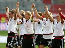 DFB verabschiedet Simone Laudehr und Lena Goeßling