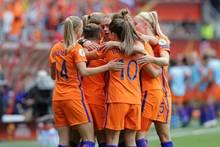 Die niederländischen Fußballerinnen schlagen Belgien 6:1
