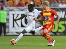 Taiwo Awoniyi (l.) kommt leihweise aus Liverpool
