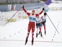 Alexander Bolschunow gewinnt Gold im Skiathlon