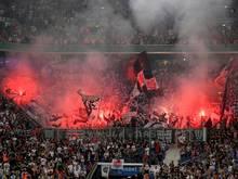 Frankfurter Fans brannten gegen Straßburg Pyrotechnik ab