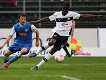 Olajengbesi bleibt bis 2015 in Sandhausen