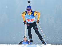 Erik Lesser führt die deutsche Staffel zum Weltcupsieg