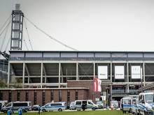 Polizei nimmt 13 Hooligans vor Köln-Spiel in Gewahrsam