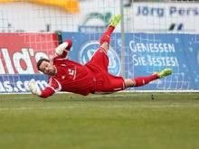 Holstein-Keeper Kenneth Kronholm verletzt sich schwer