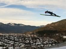 Skispringen lockt viele Fans vor den TV