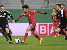 Leroy Sane (C) wird mit Bayern gegen Freiburg spielen
