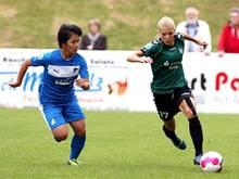 Mana Iwabuchi (l.) wechselt zu Bayern München