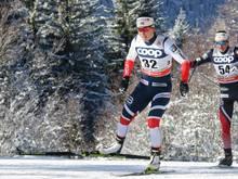 Marit Björgen läuft im Massenstart auf Platz zwei