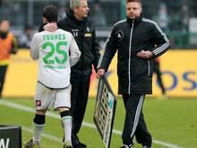 Amin Younes gab unter Favre (M.) sein Bundesliga-Debüt