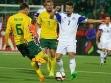 Matteo Vitaioli (r.) erzielt San Marinos Treffer