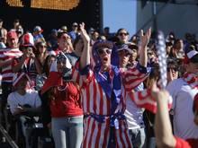 Die USA feiert den ersten Sieg unter Bruce Arena