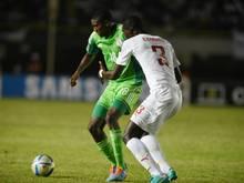 Awoniyi (l.) spielt ab sofort beim FSV Frankfurt