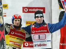 Janne Ahonen (r.) und Jakub Janda siegten im Doppelpack