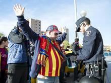 Die Polizei nahm über 100 Personen vorübergehend fest