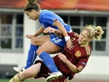 Patrizia Panico (l.) bestritt selbst 200 Länderspiele