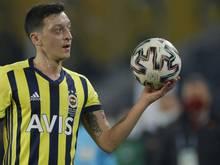 Nach Verletzung zurück im Kader: Mesut Özil