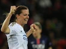 Lotta Schelin bejubelt ihren Treffer zum 1:0 für Lyon