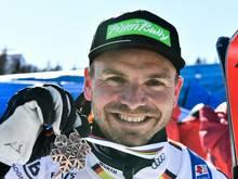 Sander mit seiner Silbermedaille bei der WM-Abfahrt