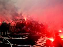 Demo: Olympiakos Fans demonstrieren nicht nur im Stadion