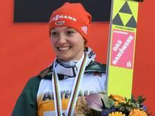 Katharina Althaus ist Sportlerin des Monats Dezember