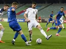 Mit viel Mühe gewinnt Serbien gegen Aserbaidschan