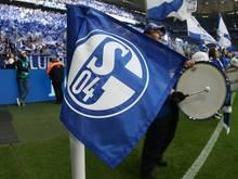 Ein Schalke-Fan verstirbt auf dem Weg zum Stadion