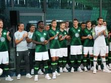 Der VfL präsentiert die Trikots für die kommende Saison