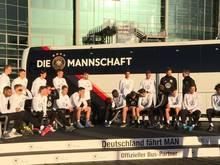 Neuer Bus für die Fußball-Nationalmannschaft