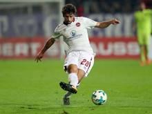 Der 1. FC Nürnberg bindet Abwehrspieler Lukas Mühl