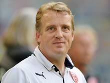Mike Büskens: Sauer auf Spieler und Schiedsrichter